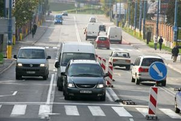 Pri dopravno-technickej štúdii sa zdôrazňovala priepustnosť frekventovanej Molecovej ulice.