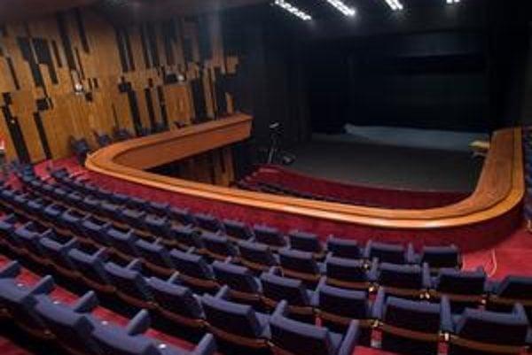 Divadlo Pavla Országha Hviezdoslava mesto sprevádzkovalo. Rekonštrukcia stála okolo 815-tisíc eur.