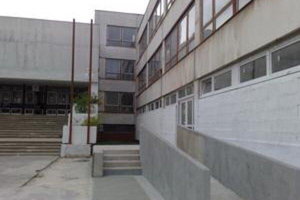 Prvá z verejno-školských knižníc v meste bude na Prokofievovej. Otvoriť by ju mali túto jeseň.