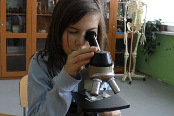 Novou technológiou vybavila škola aj biologickú učebňu.