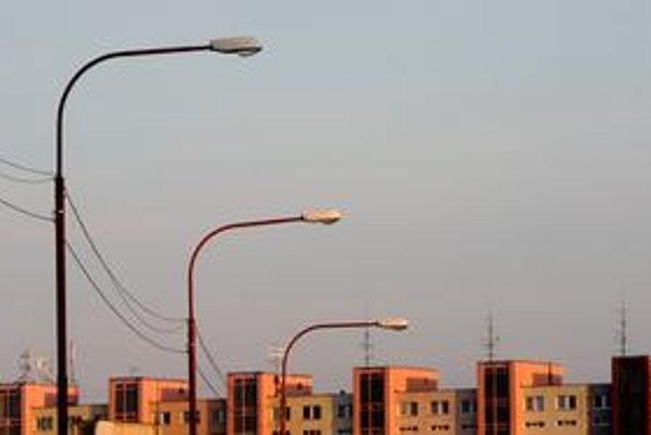 Pri kábloch na verejnom osvetlení, sa firma odvoláva na zmluvu s magistrátom hlavného mesta.