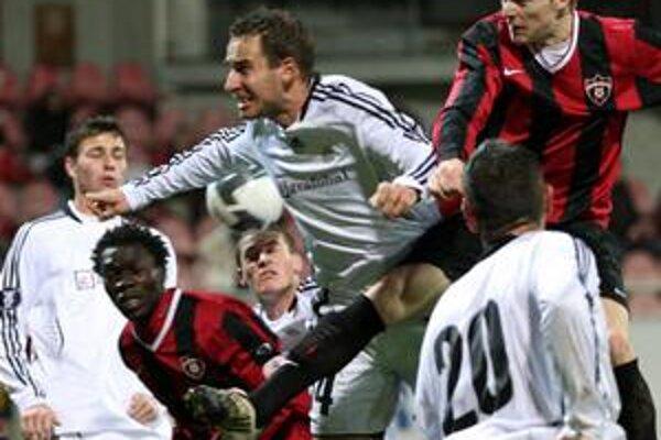 Petržalčania si v poslednom ligovom zápase roku 2009 zmerajú sily s futbalistami Trnavy. Naposledy sa s nimi stretli v Slovenskom pohári.