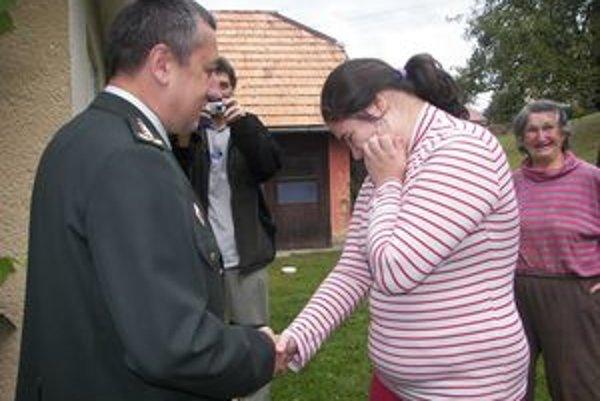 Romanke prišiel zablahoželať aj okresný policajný riaditeľ.