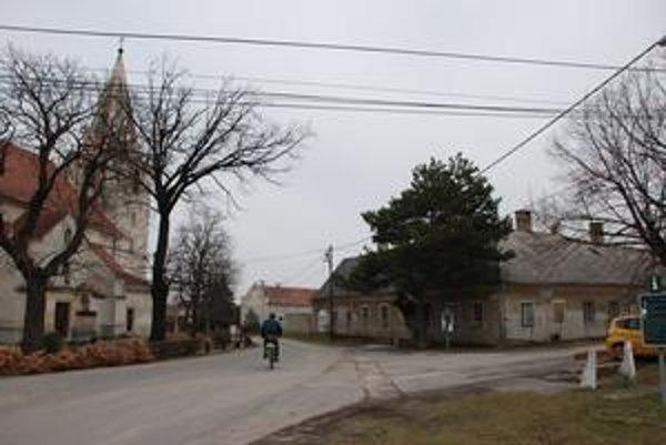 Rajka je od Čunova ďaleko asi dva kilometre.