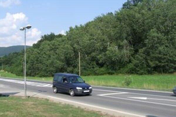 Zitu podrezal násilník v lese neďaleko cesty hlavného ťahu v smere zo Žiaru do Zvolena.