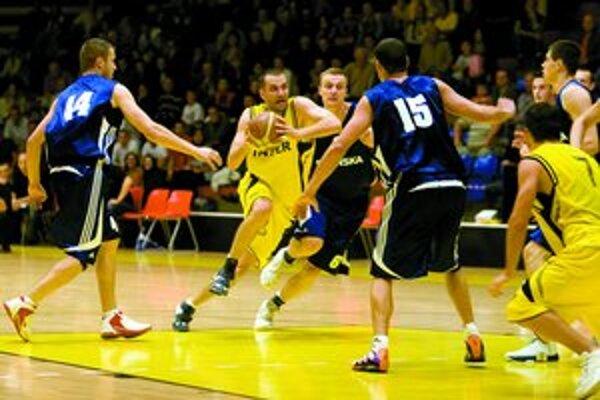 Basketbalistov Interu Bratislava dnes čaká extraligový zápas proti Spišskej Novej Vsi. V minulom kole interisti prehrali v Pezinku 78:89.