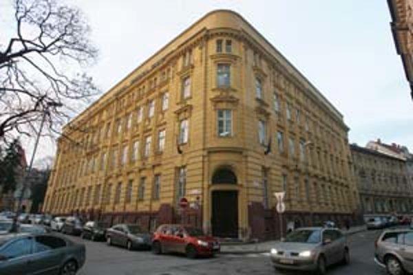 Hlavná budova Konzervatória na Tolstého ulici.