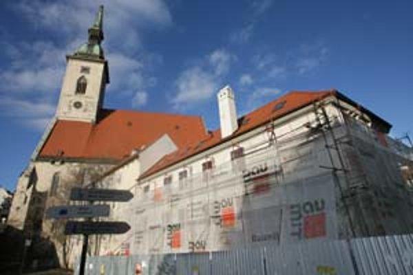 Rekonštrukcia domu vedľa Dómu sv. Martina sa chýli ku koncu.