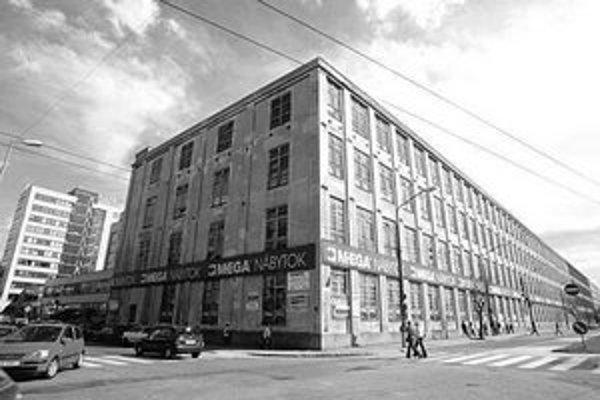 Cvernovka na Páričkovej zatiaľ nedostala povolenie na búranie. Je ďalším z historických priemyselných objektov, pri ktorých sú v konflikte záujmy pamiatkarov a investora.