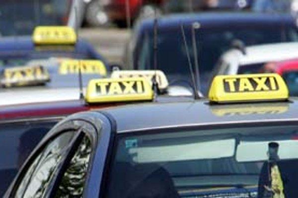 V Bratislave má licenciu dva a pol tisíca taxikárov.