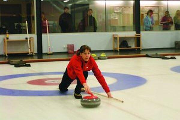 Vo Fínsku sa zajtra začnú majstrovstvá sveta v curlingu párov.