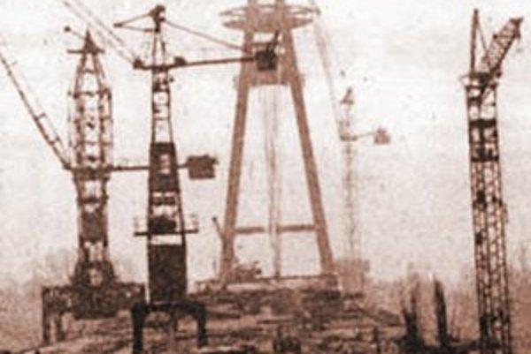 Stavba Mosta SNP, rok 1971.