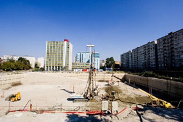 Bývalý Jadran má vymeniť komplex Retro. Mesto aj obyvatelia so zvýšením jeho poschodí nesúhlasia.