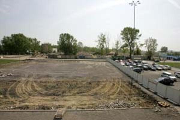 Obchodné priestory na Zlatých pieskoch sa majú rozširovať. Neďalekú galériu obmedzuje výstavba.