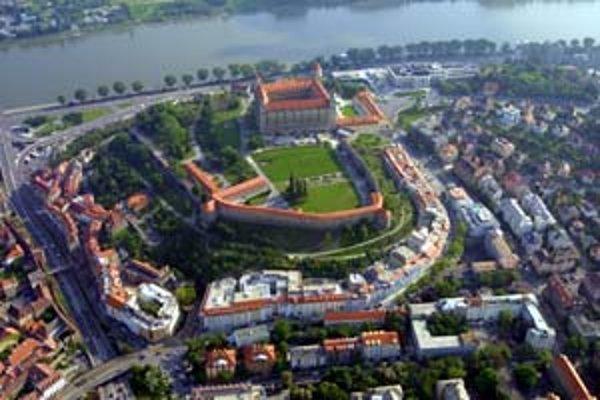 Bratislava nebude mať viac peňazí. Rozhodol o tom parlament.