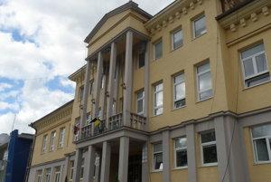 Mestský úrad v Handlovej.