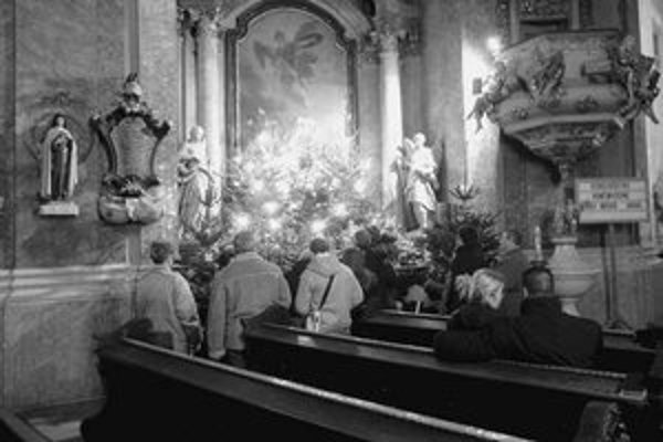 Vianočné sviatky sa skončili, no betlehemy si možno v kostoloch pozrieť až do 6. januára. Na snímke je obľúbený pohyblivý betlehem v Kostole trinitárov na Hurbanovom námestí.