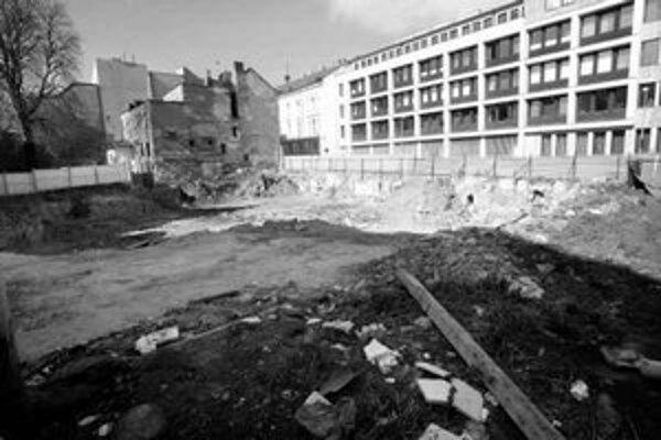 Investor ohlásil začiatok stavebných prác medzi Zochovou a Kozou.