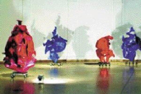 Výstavu Tamása Körösényiho s názvom Moji duchovia v Pálffyho paláci GMB predĺžili ešte do 25. marca. Tamás Körösényi nastúpil na výtvarnú scénu v 70. rokoch minulého storočia. Do začiatku 80. rokov paralelne tvoril diela figurálneho charakteru v štýle po