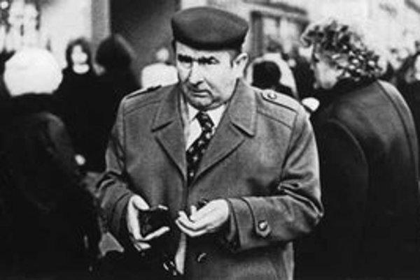 Juraj Bartoš: z cyklu Obchodná ulica, 1985.