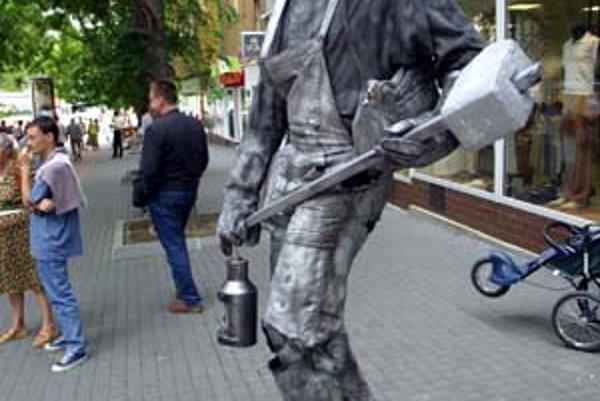 Živé sochy budú v centre počas leta končiť o 21.00.