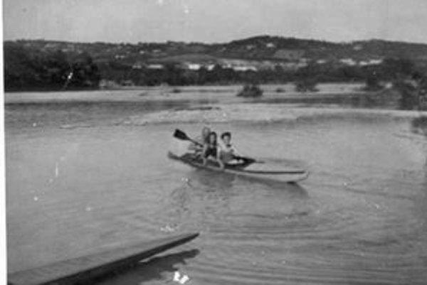 Karloveské rameno Dunaja po vysokej vode v roku 1950.