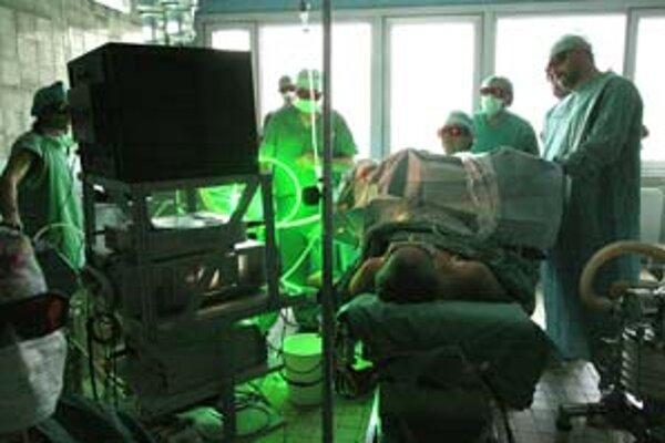 Fakultná nemocnica prichádza uplatňovaním nového Zákonníka práce o pacientov.