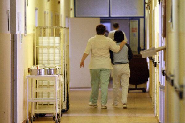 Avizované veľké zmeny v nemocnici zatiaľ neuskutočnili.