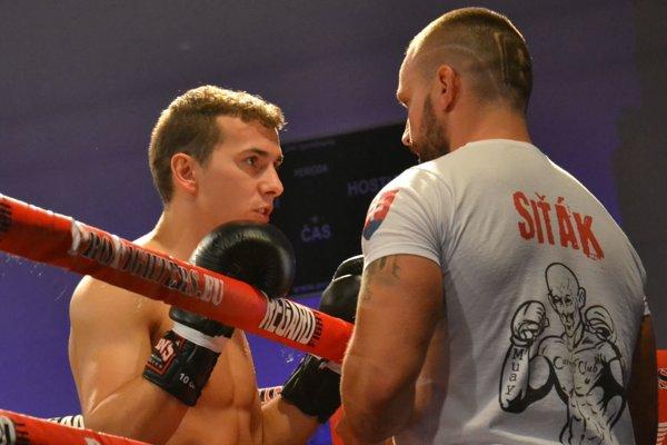 Šampión Marian Janiš so svojím trénerom Petrom Sitorom.