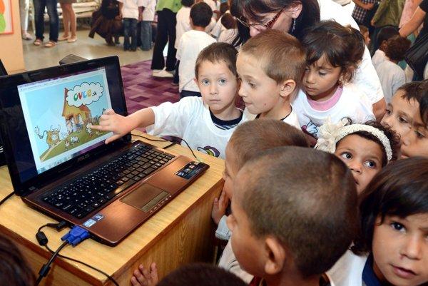 Deťom z vylúčených lokalít dáva škôlka veľa.