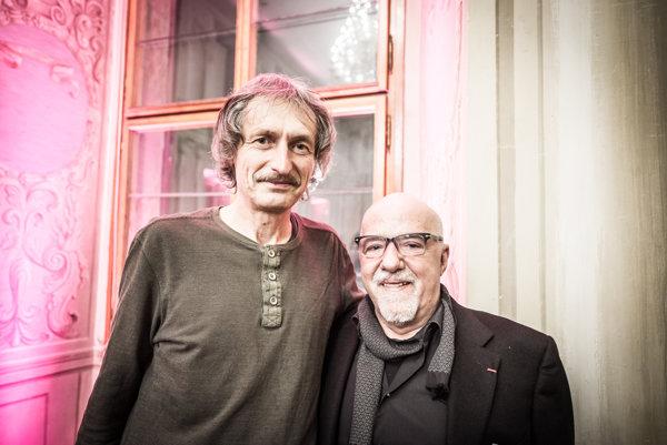 Ivan Tomek (vľavo) a Paulo Coelho v Prahe.