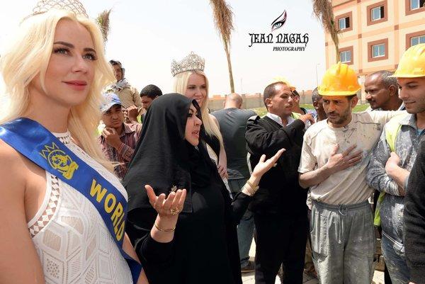 Počas pobytu v Luxore sa Martina venovala aj charite.