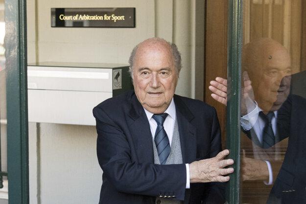 Blatter na vypočúvaní svedčil.
