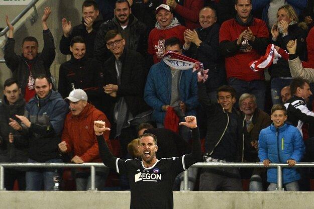 Trenčan Stefan Maierhofer reaguje po góle na 1:1.
