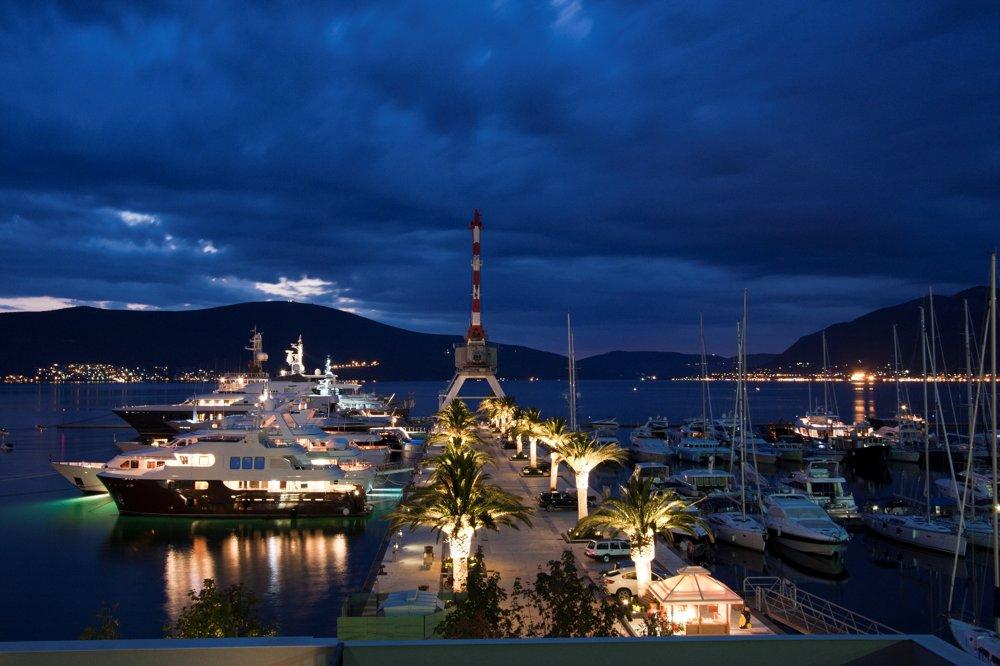 Porto Montenegro. Marína pre luxusné jachty v Tivate.