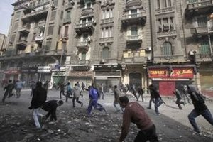Nepokojná ulica v Káhire.