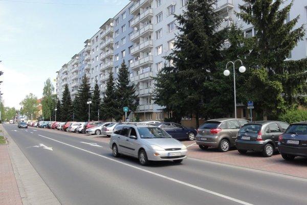 Štefánikova ulica patrí k najzaťaženejším v meste.
