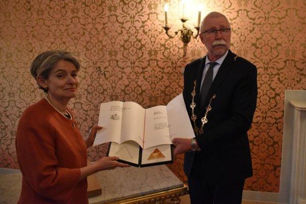 Generálna riaditeľka UNESCO Irina Bokovová a predseda SAV Pavol Šajgalík.