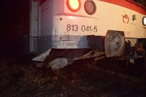 Zrážka vlaku s akýmkoľvek predmetom predstavuje veľké riziko.