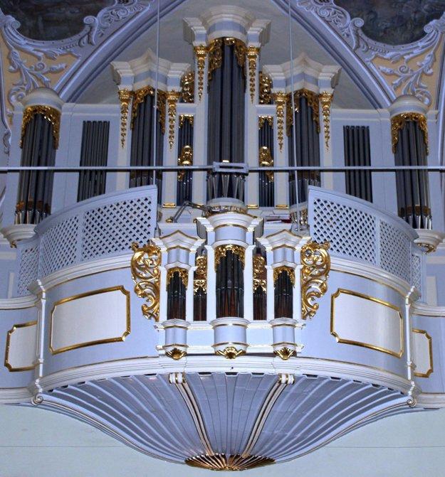 Organ vo farskom kostole.