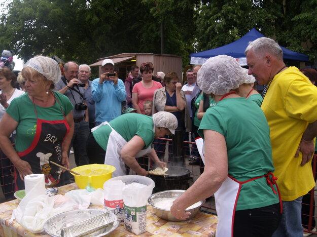 Majstrovstvá Novohradu vo varení halušiek