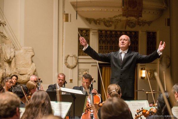 FOTO – Dirigent Paavo Järvi na festivale Pražská jar pred dvoma rokmi