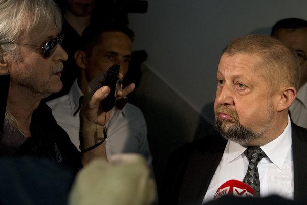 Štefan Harabin si po rozhodnutí disciplinárneho senátu opäť užíval veľký záujem médií.