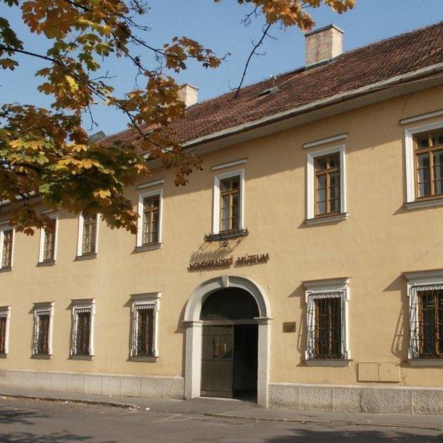 Novohradské múzeum a galéria v Lučenci.