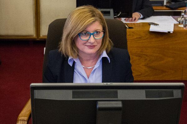 Súčasťou reklamy budú aj dva PR rozhovory s ministerkou Gabrielou Matečnou.