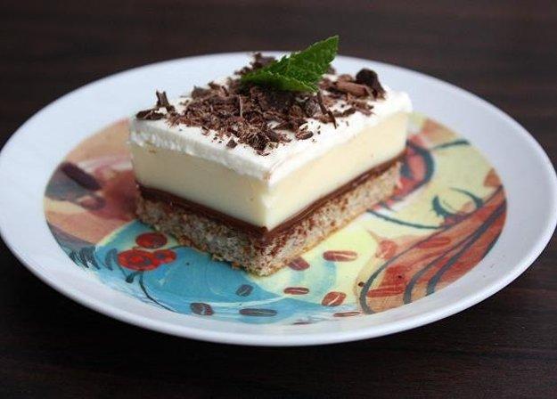 Pudingovo-smotanový koláč