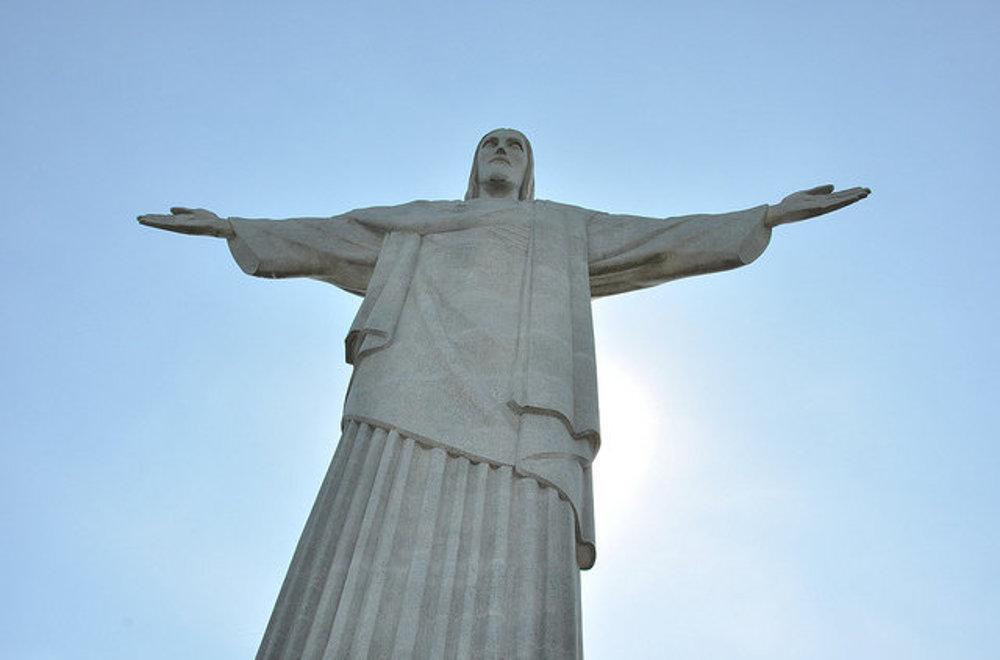 Socha Krista na vrchu Corcovado nad Rio de Janeiro.