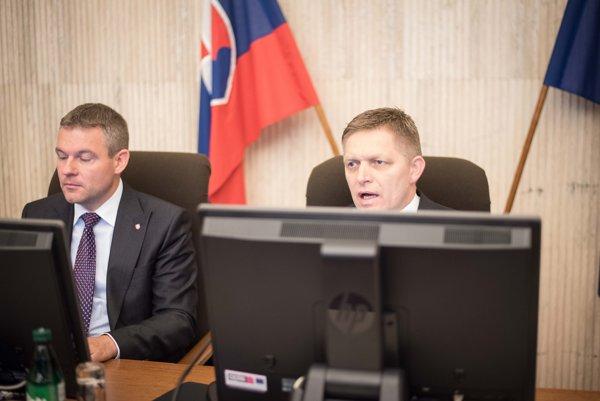 Podpredseda vlády SR pre investície Peter Pellegrini a predseda vlády SR Robert Fico.