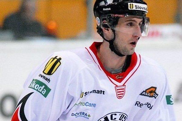 Roman Tománek sa po čase predstaví opäť v drese HC 05.