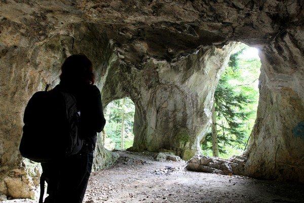 Jaskyňa Kaplnka pripomína tvarom skutočnú kaplnku.